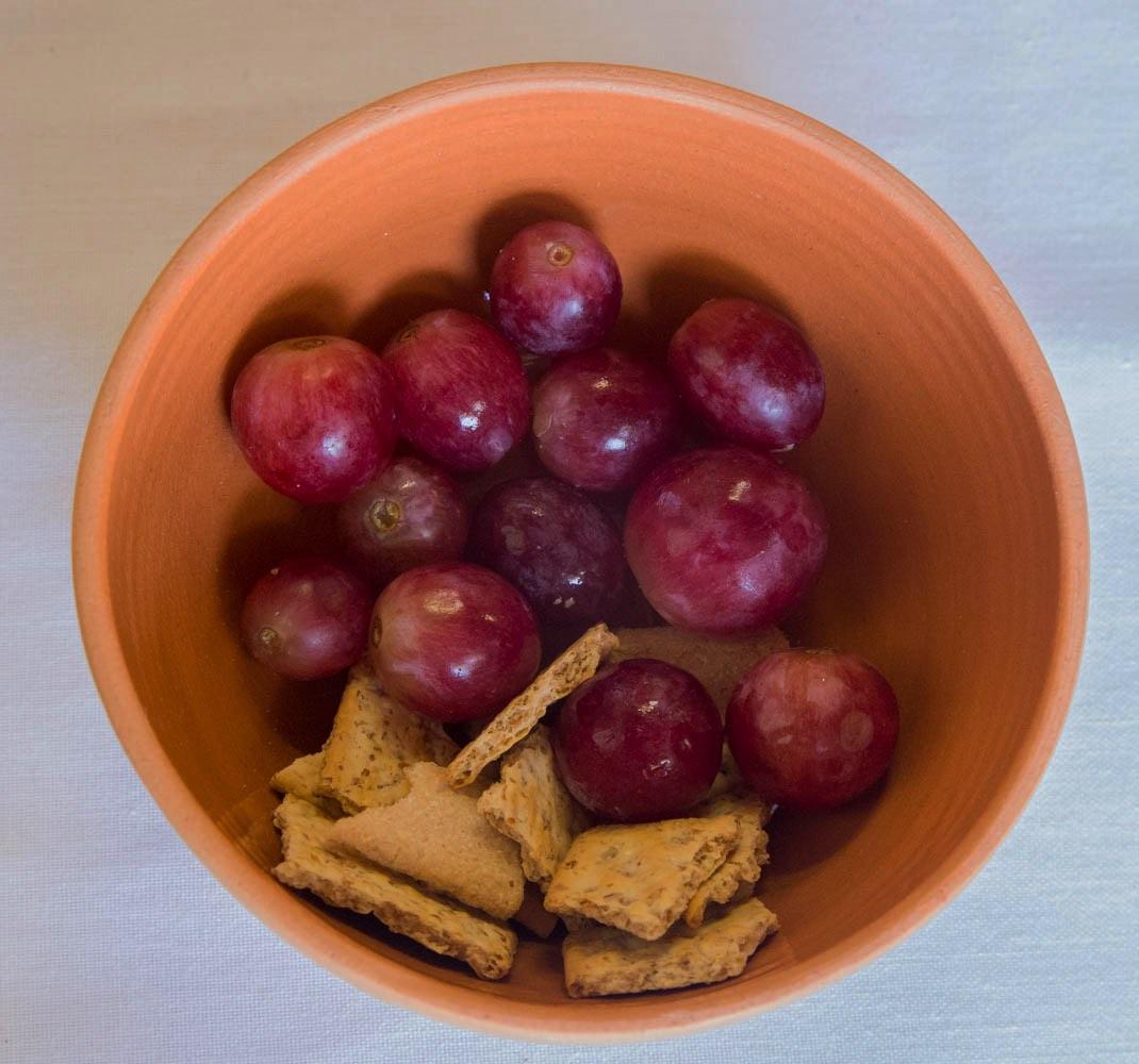 'n Bakkie druiwe en 'n paar stukkies brosbrood. Dit het die sinodegangers gehelp om tydens 'n wydingsgeleentheid na te dink oor die nagmaal.