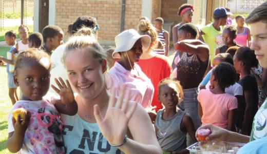 Witrivier-tieners leer om hul geloof te leef