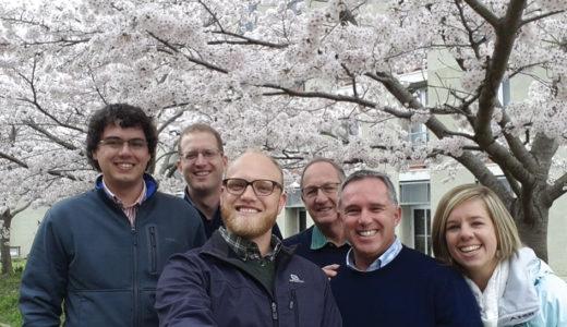 Dis bloeiseltyd in Japan se kerk