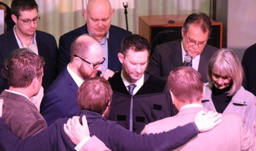'n Tuiskoms vir 'gemeenteseun' en leraar kry vrede ná worsteling