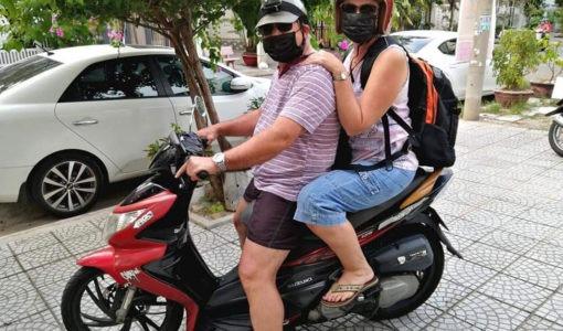 Egpaar al vir weke in woonstel in Viëtnam